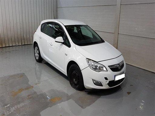 Fuzeta dreapta spate Opel Astra J 2010 Hatchback 1