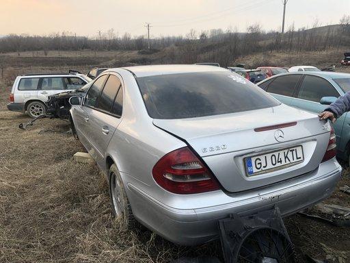 Fuzeta stanga fata Mercedes E-CLASS W211 2004 Berl