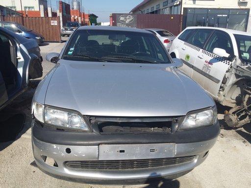 Fuzeta stanga fata Opel Vectra B 2000 Hatchback 2.