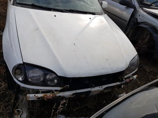 Fuzeta stanga fata Toyota Avensis 2000 COMBI 2.0