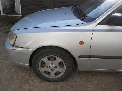 Fuzeta stanga Hyundai Accent 1.4 benzina an 2003