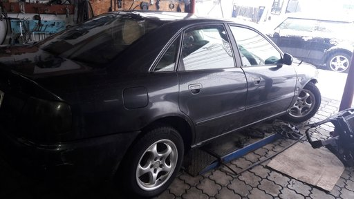 Galerie admisie Audi A4 B5 1995 Limuzina 1.6 i