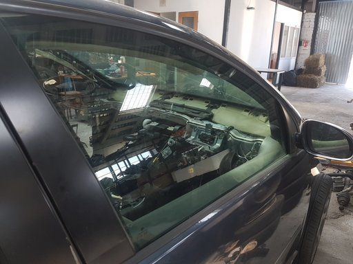 Geam dreapta fata VW Golf 5 1.9 Diesel