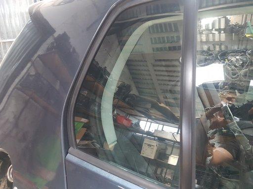 Geam dreapta spate mic VW Golf 5 1.9 Diesel