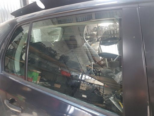 Geam dreapta spate VW Golf 5 1.9 Diesel
