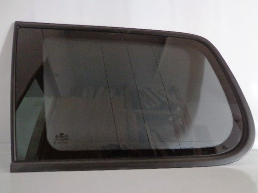 Geam fix aripa spate stg Hyundai Terracan ( Original )