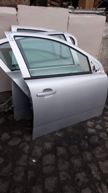 Geam usa fata Opel Astra H 2009