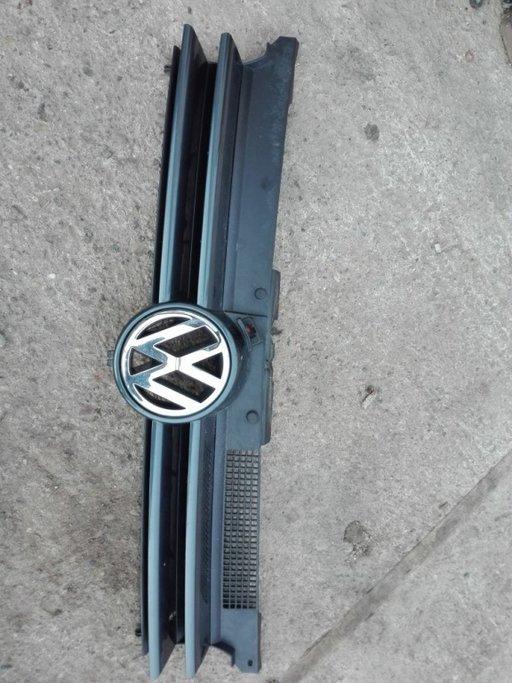 GRILA BARA FATA VW GOLF 4