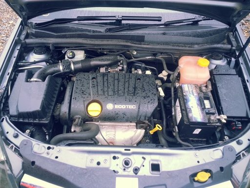 Injectoare injector Opel Astra H 1.8 i 125 cp 2004