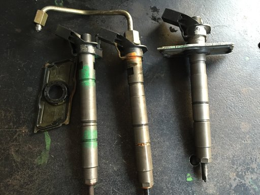 Injector Audi A6 3.0 tdi cod 059130277CD 0445117 022 1122