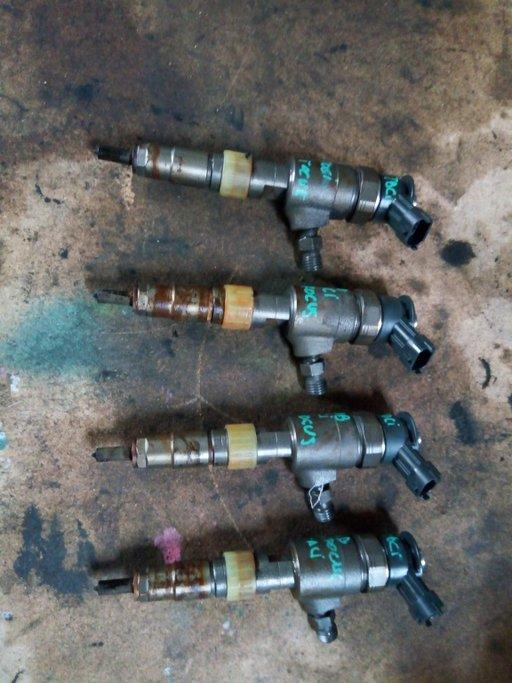 Injector Bosch Ford Focus 3 1.6 TDCI 77kw motor NGDA cod CV6Q9f593AA Bosch 0445110489