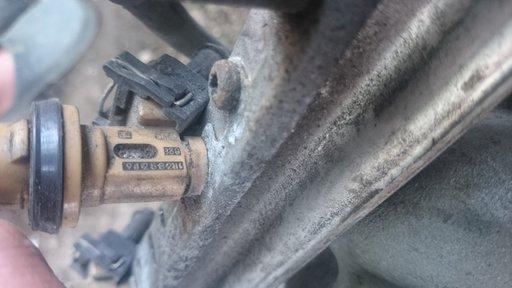 Injector / Injectoare VOLVO S80 2.4 Benzina