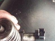Injector/injectoare vw passat b6 2.0 tdi BKP continental 073S
