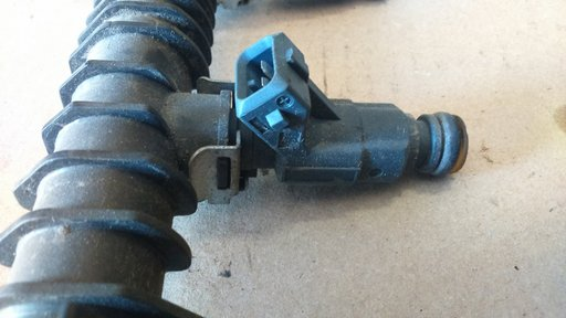 Injector Opel Corsa C 1.2 benzina