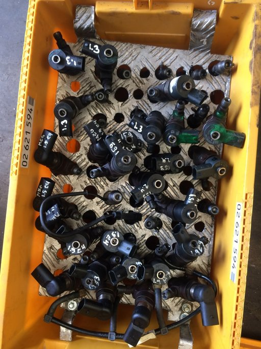 Injector renault megane 2 1.9 dci e4 cod.....8200389369
