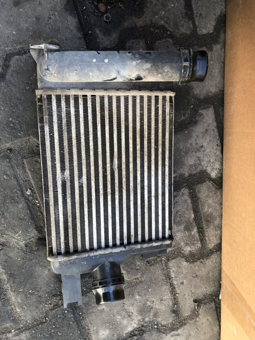 Intercooler dacia duster logan sandero motor 1.5 dci an 2013-2017 cod 144967634r