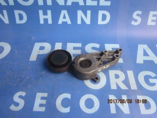 Intinzator curea Audi A4: 058903133