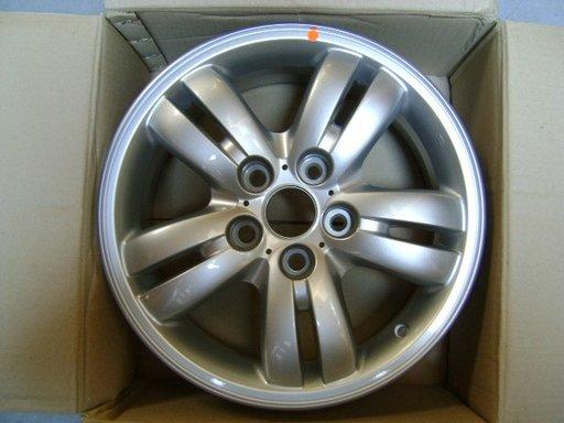 Janta aliaj ( Model C ) Hyundai Tucson 6.5Jx16 ( an 2004-2010 All ) OE 52910-2E220 / 529102E220