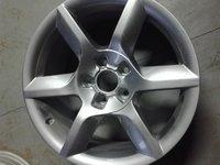 Janta Audi 8T0601025D
