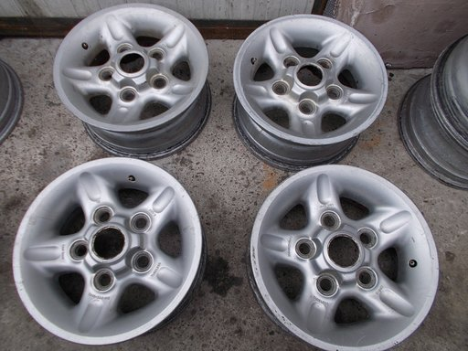 Janta Land Rover Discovery 1 R16 piese dezmembrari.