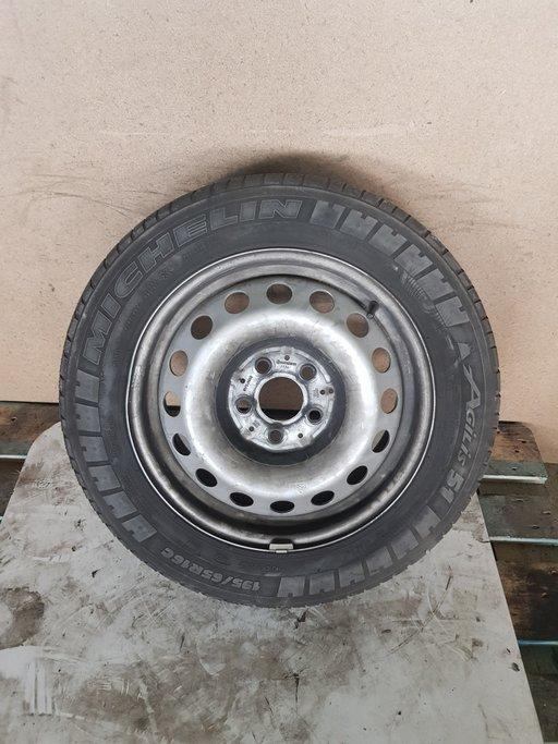 Janta tabla Mercedes Vito R16 61x2J16H2 cu anvelopa Michelin Agilis 195x65xR16 DOT 2015 COD A4474010101