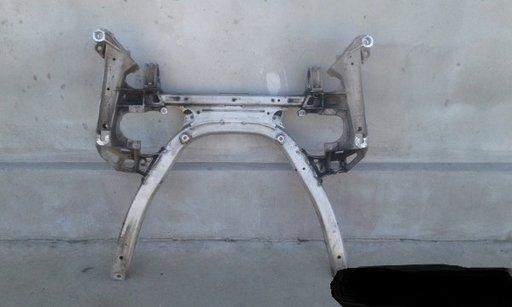 Jug cadru motor punte fata BMW E60 E61 2.0 D