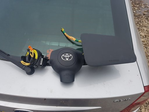 Kit airbag (volan+capac plansa) + banda volan cu mufe Toyota YARIS