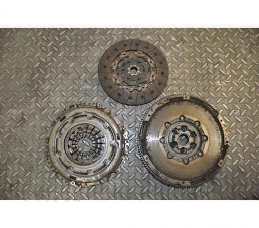 Kit ambreiaj AudI Q3 2.0 Diesel Cod Motor: CFFB