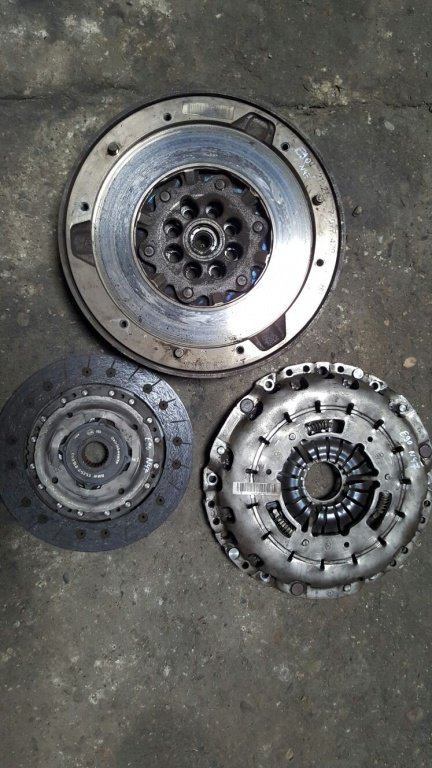 Kit ambreiaj bmw e90 e91 e92 e93 318 320d cod motor n47