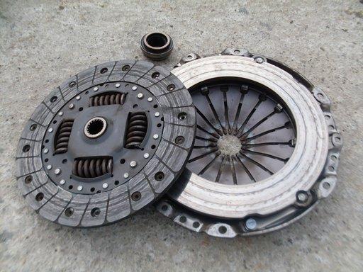 Kit ambreiaj Citroen / Peugeot 2.0 HDi cod motor RHY