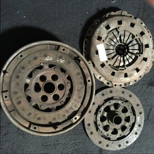 Kit ambreiaj (disc, placa, volanta) Bmw E90 320i 143cp