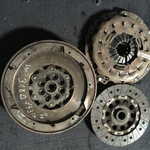Kit ambreiaj disc placa volanta e90 e91 e92 e93 318 d 143 n47