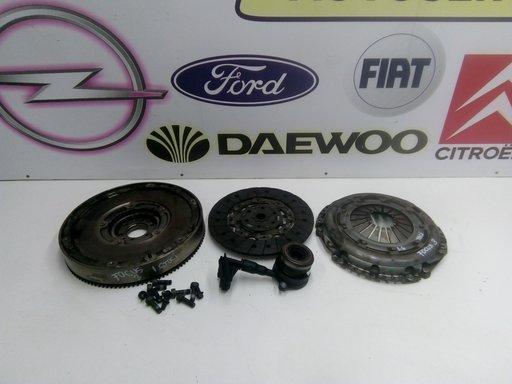 Kit ambreiaj Ford Focus 3 1.6 TDCI Cod volanta AV616477CL Cod disc AV617550C1B Cod placa AV617563CB