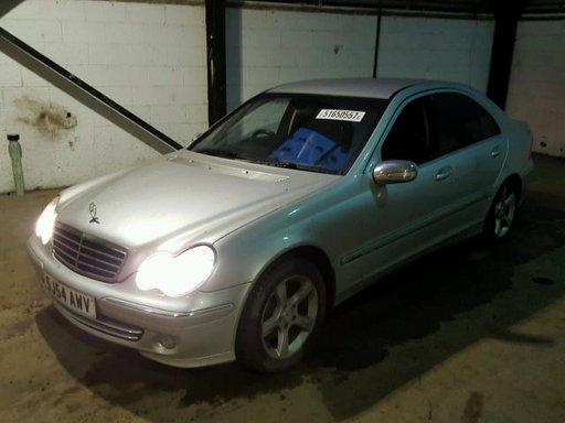 Kit ambreiaj Mercedes C-CLASS W203 2004 sedan 2.2