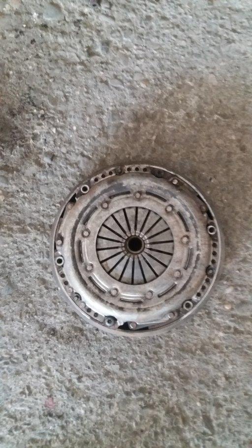 Kit ambreiaj Peugeot 307 407 207 1.6hdi placa disc volanta