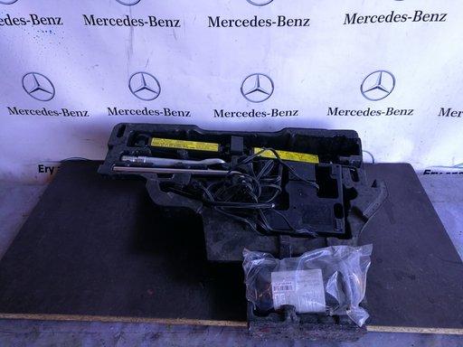 Kit pana Mercedes E class coupe w207 in stare foarte buna
