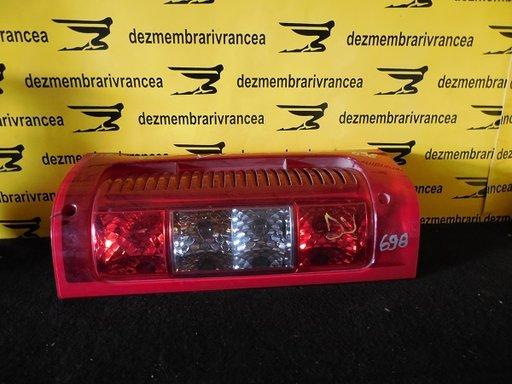 Lampa dreapta fiat Ducato An 2002