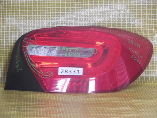Lampa dreapta Mercedes A-Class,An 2013, Cu defect