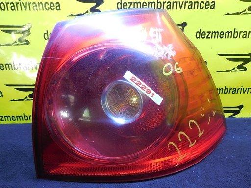 Lampa dreapta VolksWagen Golf V An 2004-2007