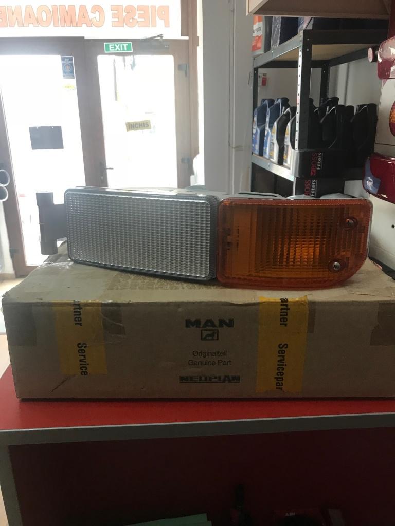 Lampa semnalizare stanga MAN TGA TGL TGM cod oem 81253206089