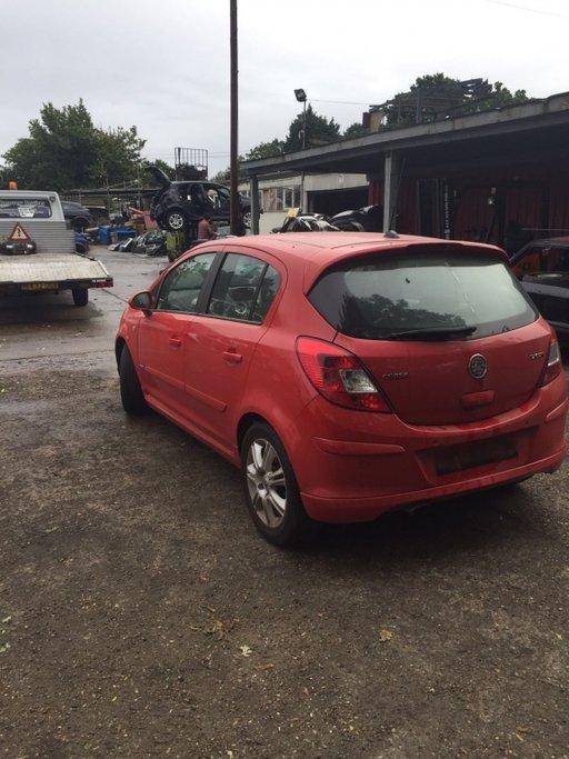 Lampa spate( tripla) stanga - dreapta Opel Corsa D