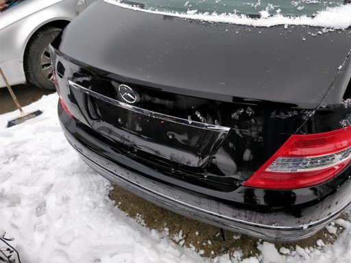 Lampa // stop dreapta spate Mercedes C Class W204 2007 // 2013