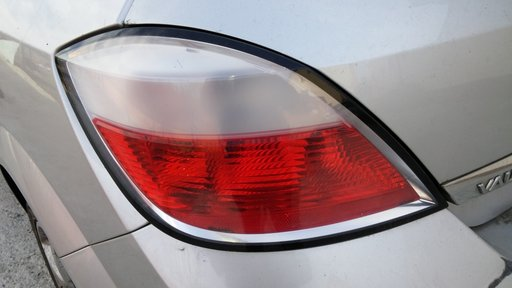 Lampa stop Opel Astra H