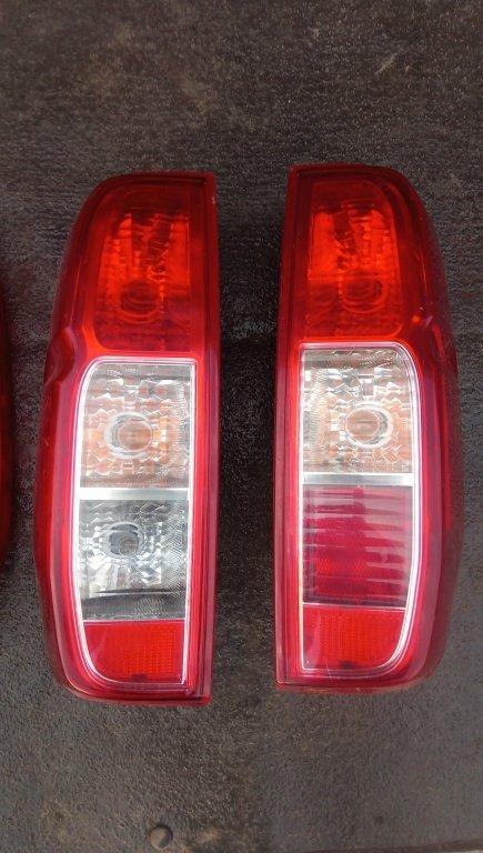 Lampa stop Stanga /Dreapta Nissan Navara D40 2006-