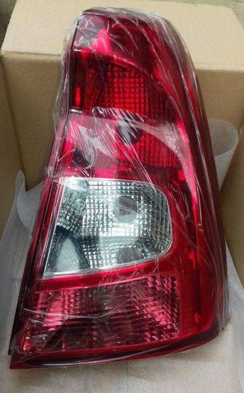 Lampa stop tripla stop NOUA dreapta Dacia Logan facelift 2011 diesel & benzina