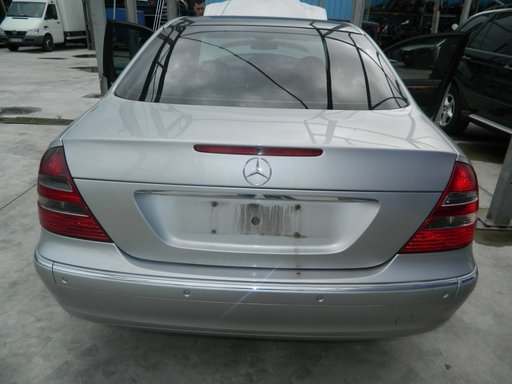 Luneta Mercedes E270 CDI model 2005