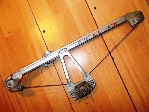 Macara mecanica dreapta spate MERCEDES 190 1982 &n