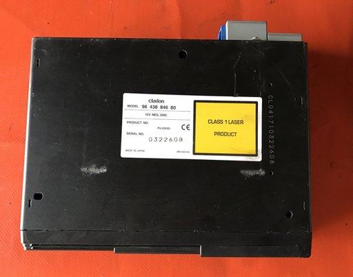 Magazie CD 6 Discuri CLARION Peugeot 206 2000-2006 Cod 9643884680