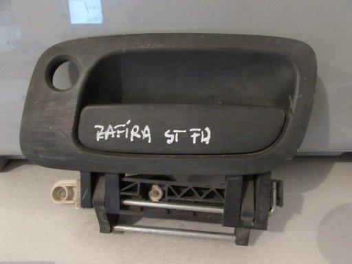 Maner usa exterior stanga fata Opel Zafira an 2001