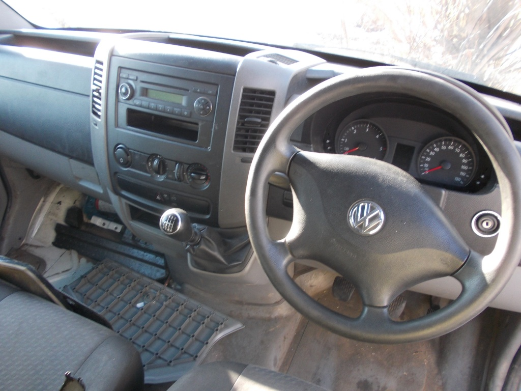 Maner usa stanga fata VW Crafter 2012 LM4B1350N 2.0 TDI